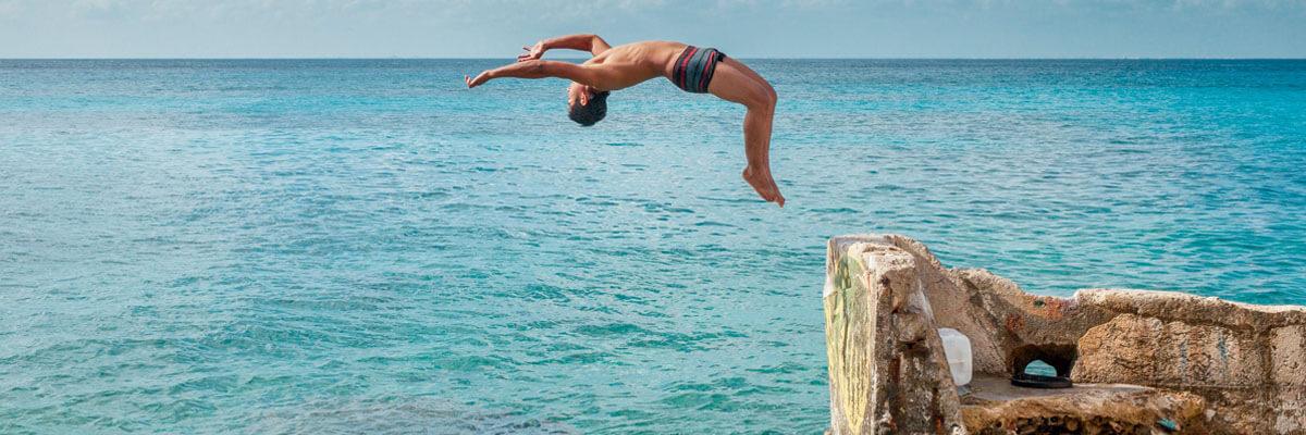 Fremhævede billeder 3 konkurrencer i ekstremsport rundt omkring i verden Red Bull Cliff Diving - 3 konkurrencer i ekstremsport rundt omkring i verden