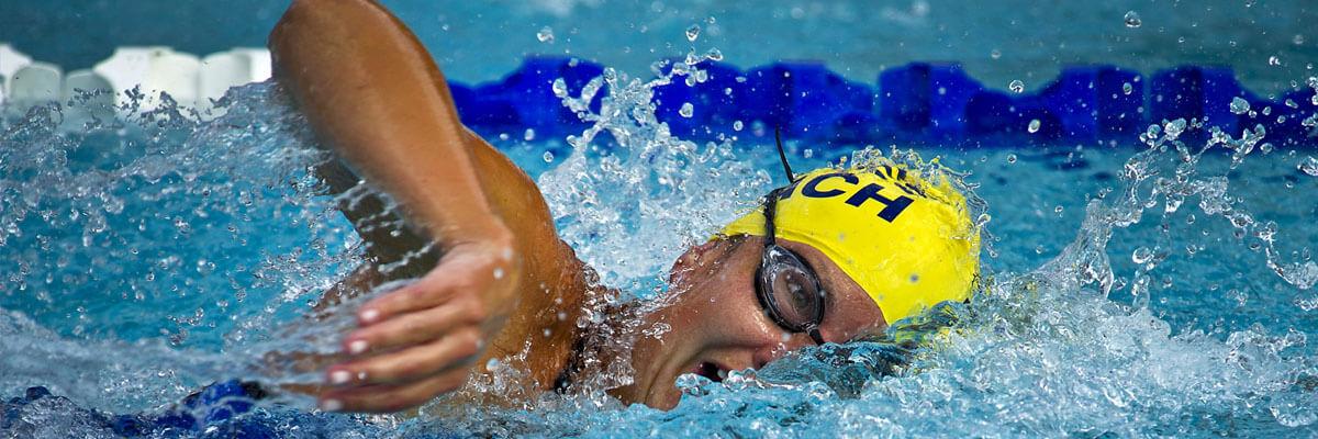 Fremhævede billeder 4 fantastiske outdoor sportsgrene for ældre mennesker Svømning - 4 fantastiske outdoor-sportsgrene for ældre mennesker