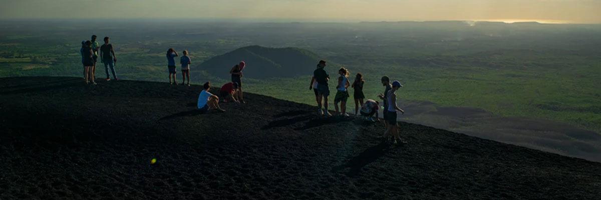 Fremhævede billeder 7 ekstreme sportsgrene du skal prøve til sommer Vulkansurfing - 7 ekstreme sportsgrene du skal prøve til sommer